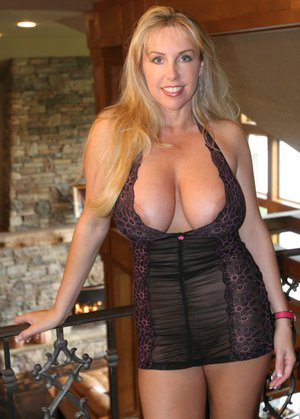 Sexy busty mom hottest webcam mom 3