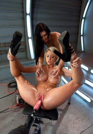 hot girls fucking machine