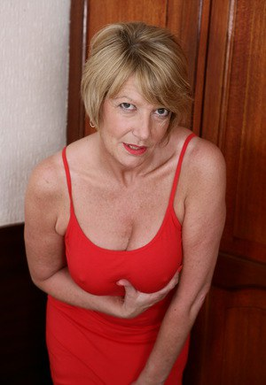Mature British Housewives 11