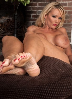 Feet And Saggy Tits Porn