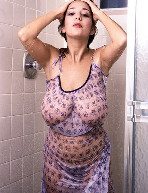 Big Tits In Shower Porn